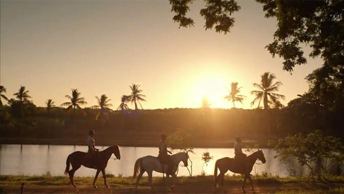 Santo, Bento e Belmiro vão à fazenda de Afrânio (Foto: TV Globo)
