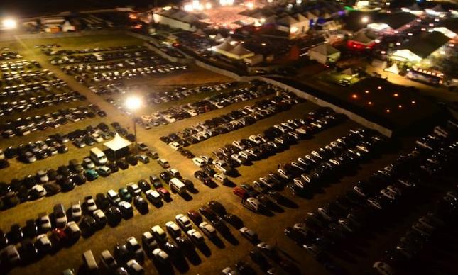 Estacionamento (Foto: Arquivo Google)