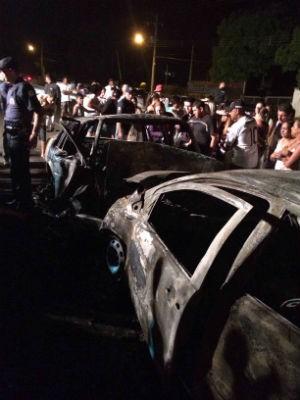 Acidente de carro na rodovia João Leme dos Santos em Salto de Pirapora (Foto: Gilson Tirolla)