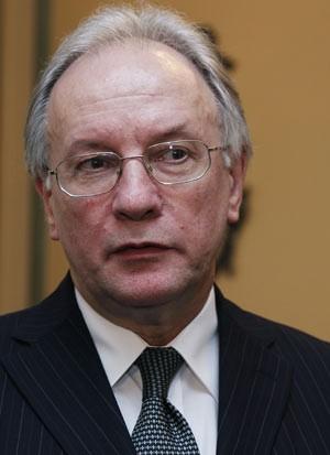 O chanceler demitido Sergei Martynov em foto de janeiro de 2011 (Foto: Thierry Roge / Reuters)