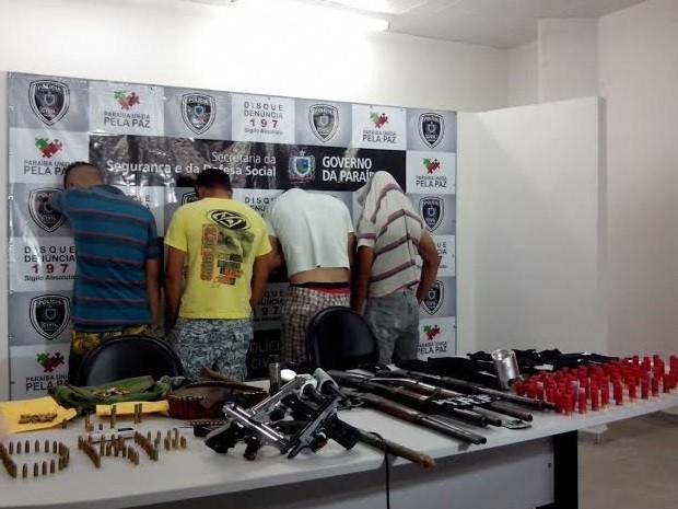 Grupo suspeito de roubos a bancos é preso em Campina Grande (Foto: Danielle Flôr/TV Paraíba)