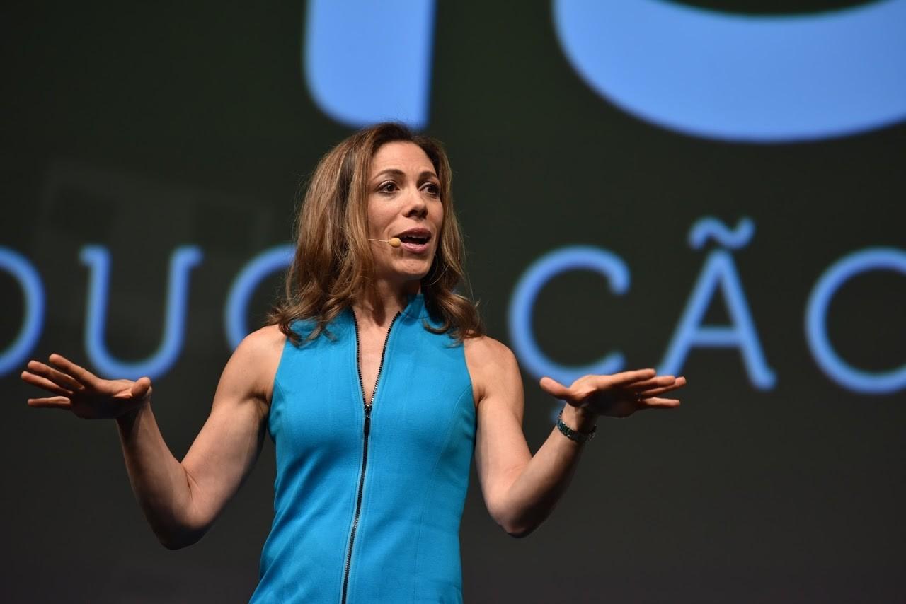 Linda Rottenberg em palestra nesta quarta-feira (11/11) em São Paulo (Foto: @_openspace_)