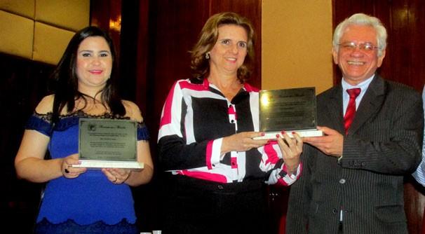 Jornalistas da TV Clube recebem homenagem concedida pela Corregedoria de Justiça  (Foto: TV Clube)