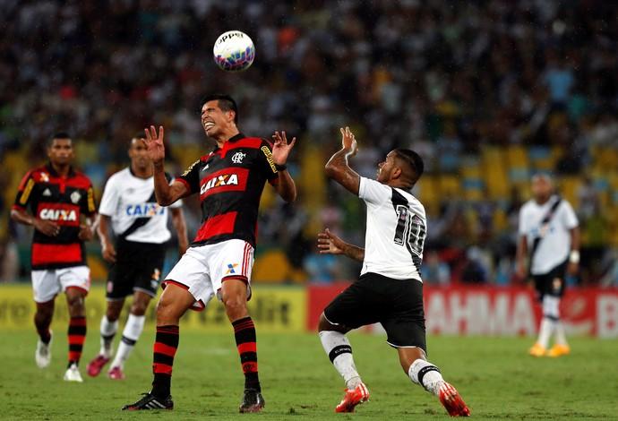 Flamengo x Vasco - lance de jogo (Foto: Cezar Loureiro / Agência O Globo)