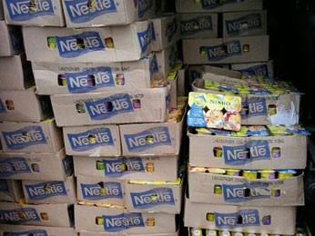 Parte da mercadoria seria comercializada em padarias e mercadinhos da RMR (Foto: Divulgação/PRF-PE)