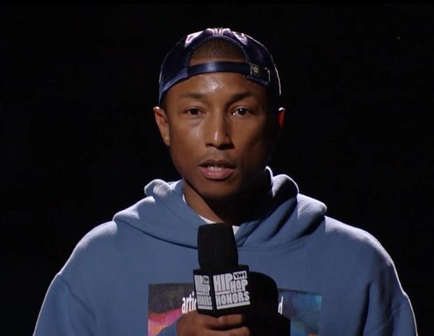 Pharrell Williams em discurso na TV  (Foto: reprodução)