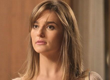 Sofia inventa desculpa para Lili não abrir o cofre e descobrir roubo
