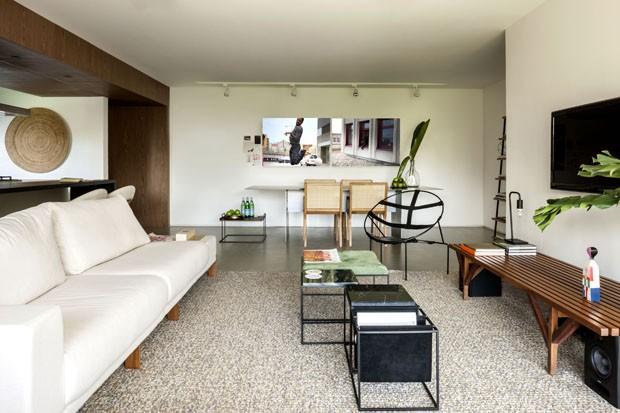 Décor leve, simples e atemporal no apartamento brasiliense (Foto: Fotos Edgard César/Divulgação)