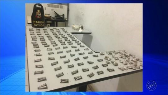 Adolescente é flagrado com drogas dentro de mochila em sala de aula em Pompeia