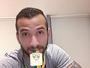 Na Bélgica, Leandro Pereira recebe medalha da Copa do Brasil