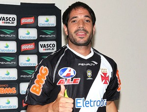 Matías Abelairas apresentado no Vasco (Foto  Marcelo Sadio   Site Oficial do  Vasco da 9188956bb2e45