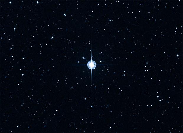 Nasa divulgou imagem em que destaca presença da estrela mais antiga do universo, localizada a 190 anoz-luz da Terra (Foto: Divulgação/DSS/Caltech)