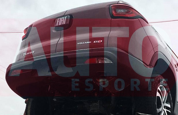 Flagras mostram primeiras unidades da Fiat Toro sendo distribuídas (Foto: Damásio Junior / Autoesporte)