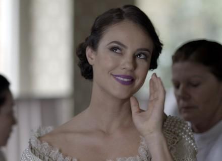 Melissa experimenta vestido de noiva e faz exigência