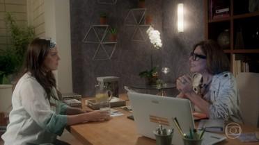 Gigi conta a Marina história sobre sumiço de Isabela