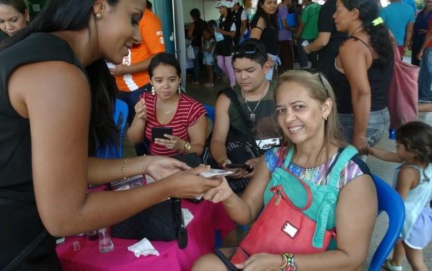 Cuidar da pele e da beleza, foi o que dona Meire veio procurar na Ação Global, em Presidente Figueiredo (Foto: Onofre Martins/Rede Amazônica)
