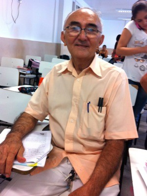 Homem de 73 anos tenta Enem pela terceira vez no Ceará (Foto: Luana Andrade/G1)