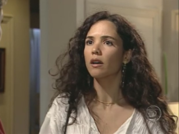 Atriz Tereza Seiblitz interpreta Dara em cena da novela 'Explode Coração'; década de 90 teve 1.166 'Daras' (Foto: Reprodução/TV Globo)