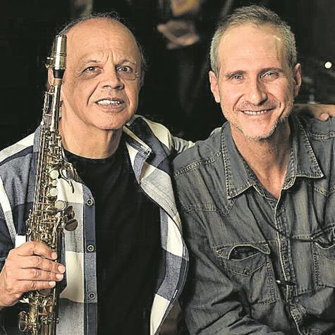 Nivaldo Ornelas e o diretor da série 'Jazz – Música instrumental brasileira', Mário Diamante (Foto: Arquivo pessoal)
