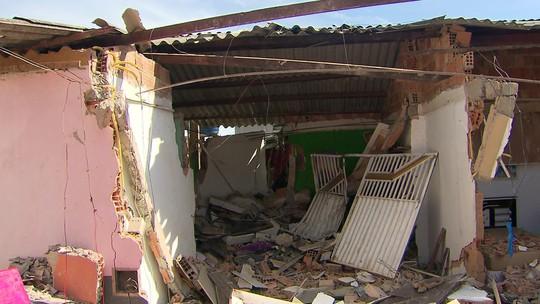 Defesa Civil interdita casa destruída por ônibus em São Sebastião, no DF