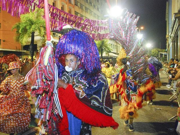 Desfile de agremiações sai da Avenida Nossa Senhora do Carmo para três novos corredores (Foto: Fernando da Hora/Prefeitura do Recife)