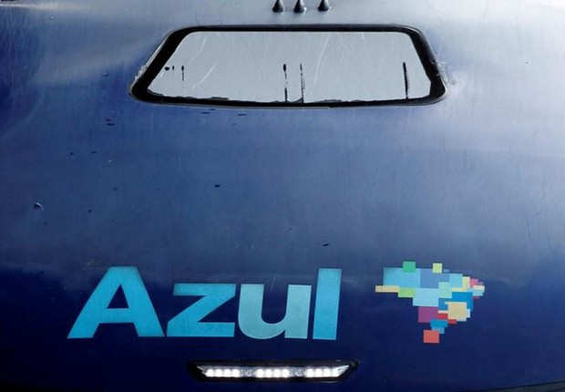 Logo da companhia aérea Azul, em Campinas, no Estado de São Paulo (Foto: Paulo Whitaker/Reuters)