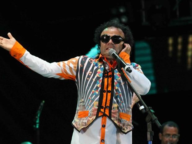 Maestro Forró comanda a segunda parte do show de abertura do carnaval do Recife (Foto: Aldo Carneiro/Pernambuco Press)