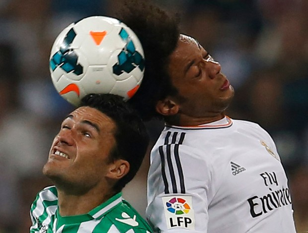 Molina do Betis e Marcelo do Real Madrid (Foto: Reuters)