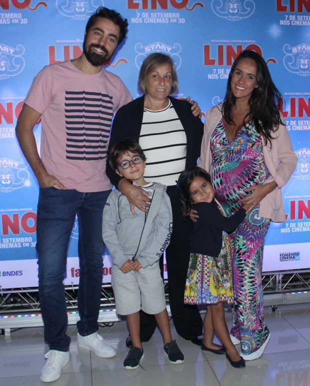 Ricardo Pereira e família (Foto: Wallace Barbosa/AgNews)
