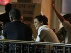 Vida de solteira: Paolla Oliveira curte a noite carioca com amigos