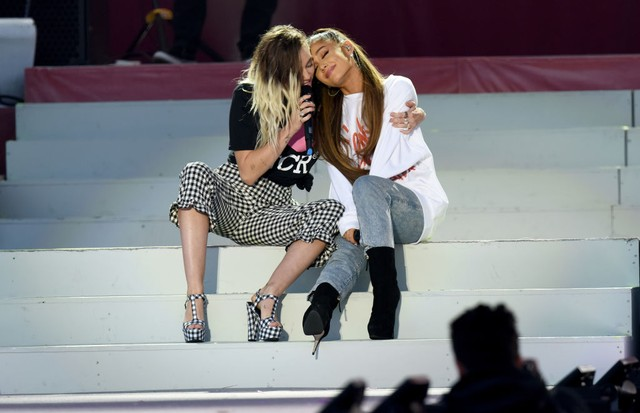 Miley Cyrus e Ariana Grande (Foto: Getty Images)
