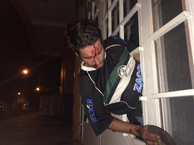 Homem de 23 anos ficou entalado em restaurante de Santa Maria (Foto: Eduardo Biassus/Arquivo Pessoal)