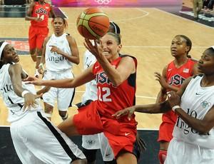 Diana Taurasi, EUA x Angola, Basquete (Foto: Agência AFP)