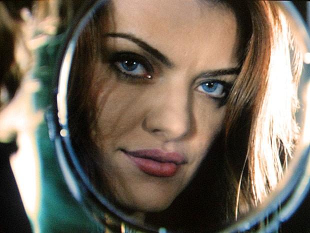 Elisa tem olhos azuis (Foto: Amor Eterno Amor / TV Globo)