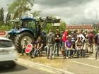 Agricultores franceses bloqueiam fronteira alemã em protesto