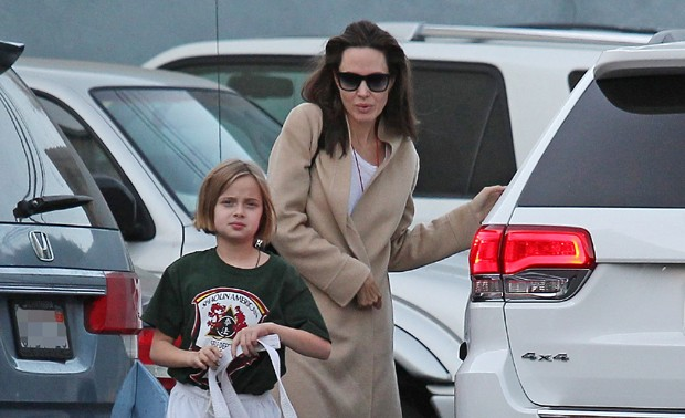 Vivienne e Angelina Jolie (Foto: The Grosby Group)