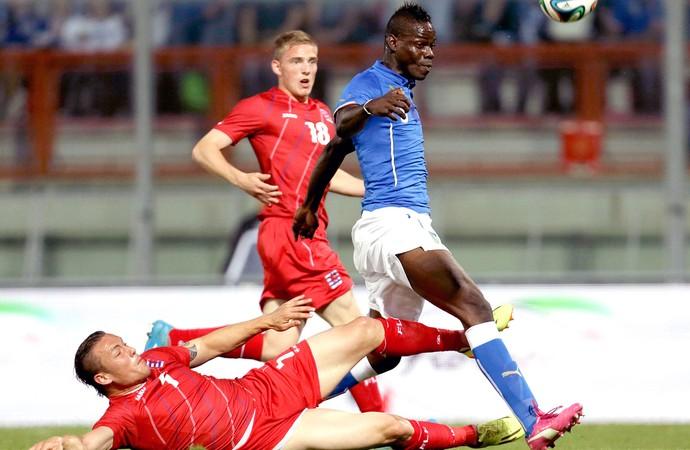 Itália leva gol no fim da fraca seleção de Luxemburgo e volta a ... a2dec1042a4ea