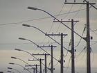 Queda de árvore em rede elétrica interrompe energia em MG