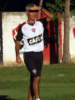 Carlos Amadeu; treino do Vitória (Foto: Divulgação/EC Vitória)
