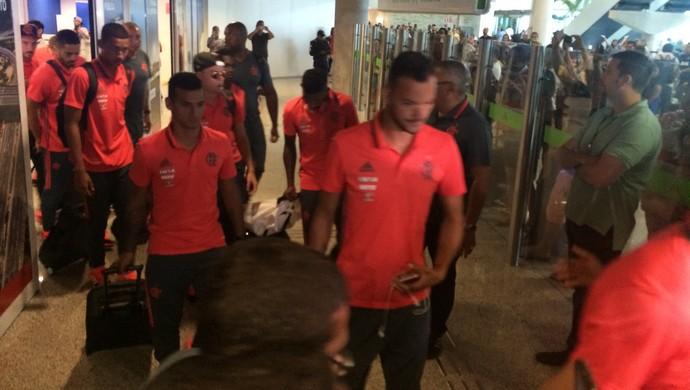 RN - desembarque Flamengo Natal (Foto: Luiz Henrique/GloboEsporte.com)