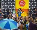 Top 10 mostra fotos que resumem o ano até Pipe: tubarão, brilho brasileiro...