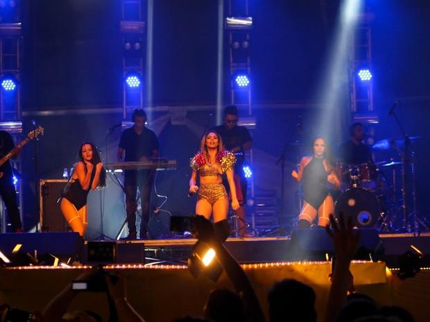 Cantora Lexa se apresentou no palco (Foto: Agência 2Erres/Divulgação)