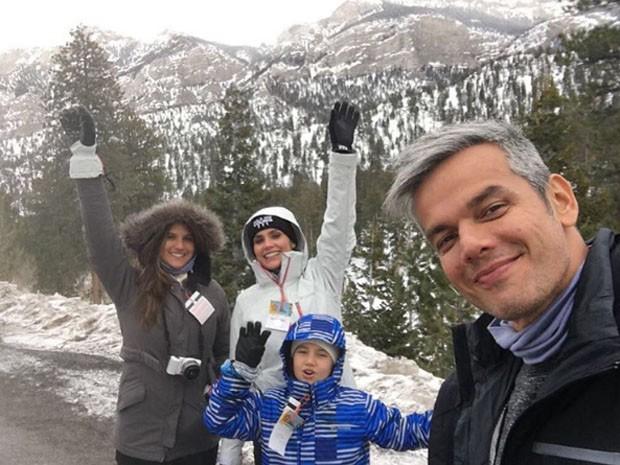 Flávia Alessandra com Otaviano Costa e as filhas, Giulia Costa e Olívia (Foto: Reprodução/Instagram)