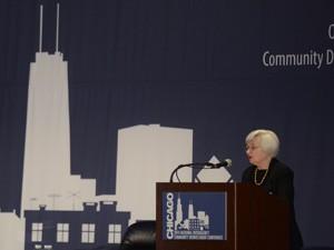 A presidente do Fed, Janet Yellen, fala em conferência em Chicago (Foto: Paul Beaty/AP)