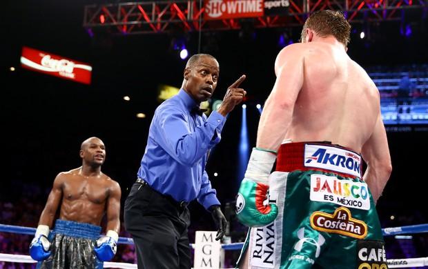 Mayweather vence Canelo em luta de boxe em Las Vegas (Foto: Getty Images)