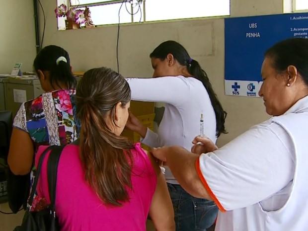 Passos intensificou vacinação contra a febre amarela para evitar que doença chegue à cidade (Foto: Reprodução/EPTV)