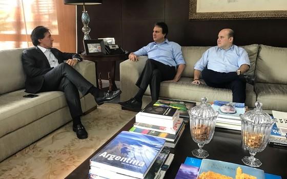 O senador Eunício Oliveira se reúne com governador Ceará, Camilo Santana, e com o prefeito de Fortaleza, Roberto Cláudio (Foto: Época)