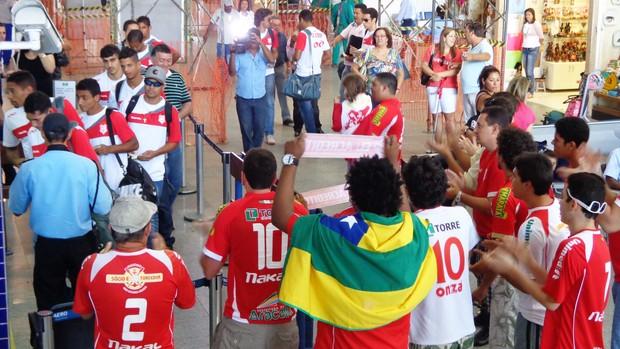 Sergipe embarcou para Fortaleza (Foto: Felipe Martins/GLOBOESPORTE.COM)