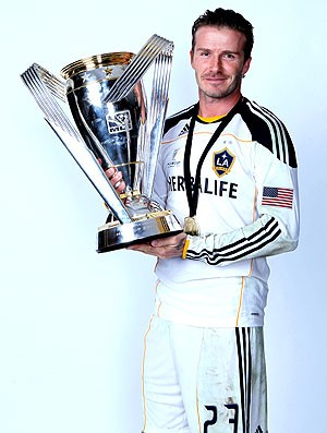 Beckham com a taça da MLS (Foto: Getty Images)