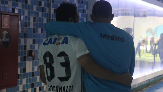 Grêmio x Coritiba, Brasileirão, Arena, Kleber, Edinho (Foto: Eduardo Moura / GloboEsporte.com)